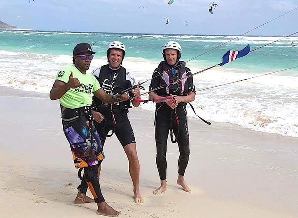 Kitebeach Sal Instructor with students