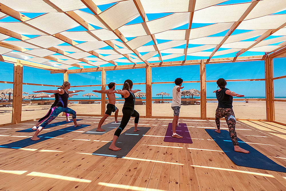 Yoga at the kitesurf centre KBC El Gouna