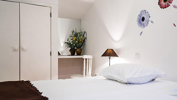 Bett des Surf Appartement in moledo in Portugal