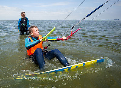 Kitesurf instructor with students at the Ijsselmeer