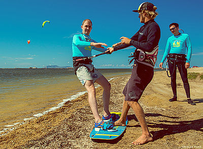 waterstart exercises at kitebeach Lo Stagnone in Sicily